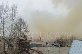 Неизвестные подожгли сухую траву в Свердловском и Ленинском округах Иркутска