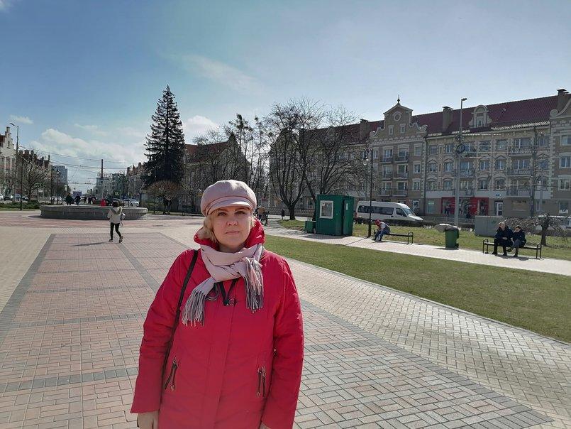 Анна Свинаренко. Вид на улицу Театральная