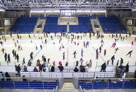Катание на коньках в ледовом дворце «Байкал»