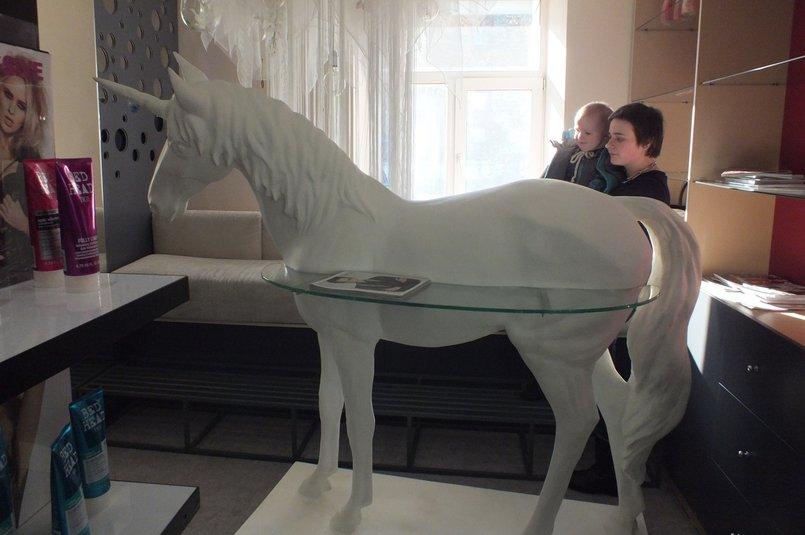 Скульптура «Единорог»