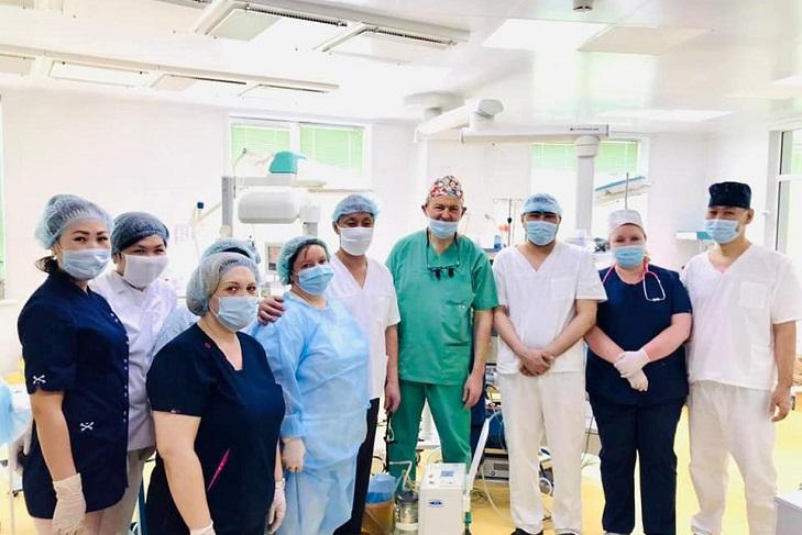 Юрий Козлов после операции в Улан-Удэ. Фото с сайта facebook.com