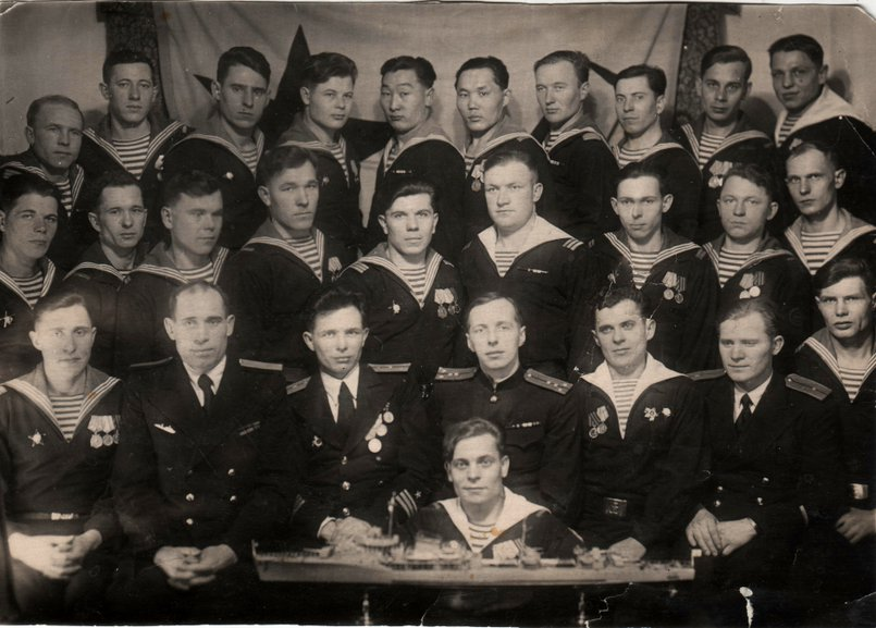 Фото экипажа эсминца «Разумный»