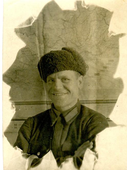 Селезнев Василий Спиридонович, 1915-1986. Воевал на Дальнем Востоке с Японией. Военные действия велись и в Манчжурии. Воинское звание красноармеец; ст. сержант