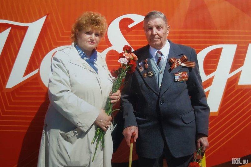 Иван Прядко со своей дочерью Аллой Клейменовой, 2015 год