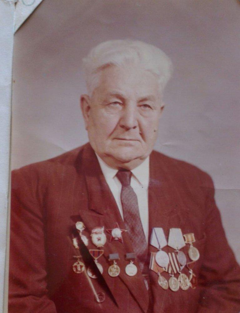 После войны Иван Михайлович написал два рассказа — воспоминания, как попал в плен, прошел концлагеря и участвовал в партизанском движении