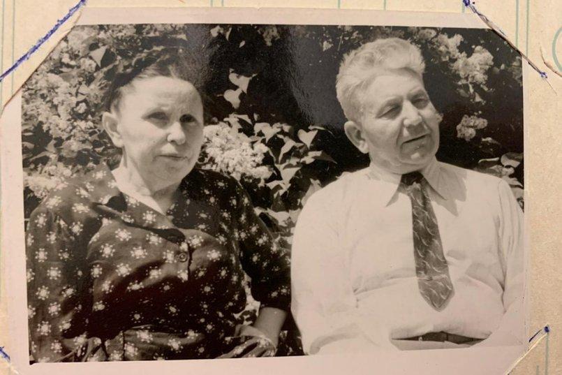 Иван Михайлович с супругой  Ядвигой Клементьевной