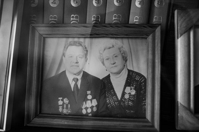 С мужем вместе ездили на гастроли. Прожили в браке более 50 лет