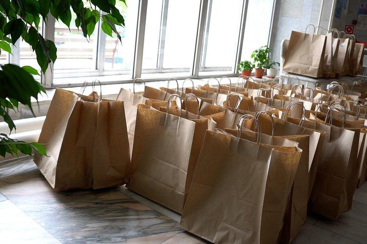 Штаб помощи врачам организовал доставку обедов в медучреждения Иркутска