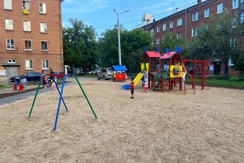 Этим летом благоустройство дворов в округе идет с опережением сроков