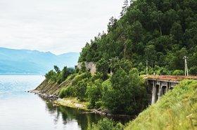 Вид на Кругобайкальскую железную дорогу. Фото Маргариты Романовой, IRK.ru
