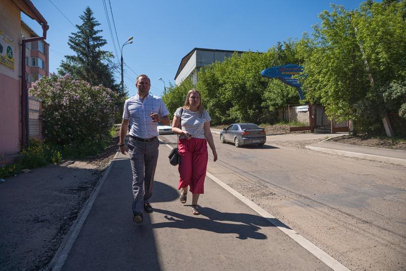Теперь Космический проезд стал более безопасным для пешеходов, здесь появился широкий тротуар