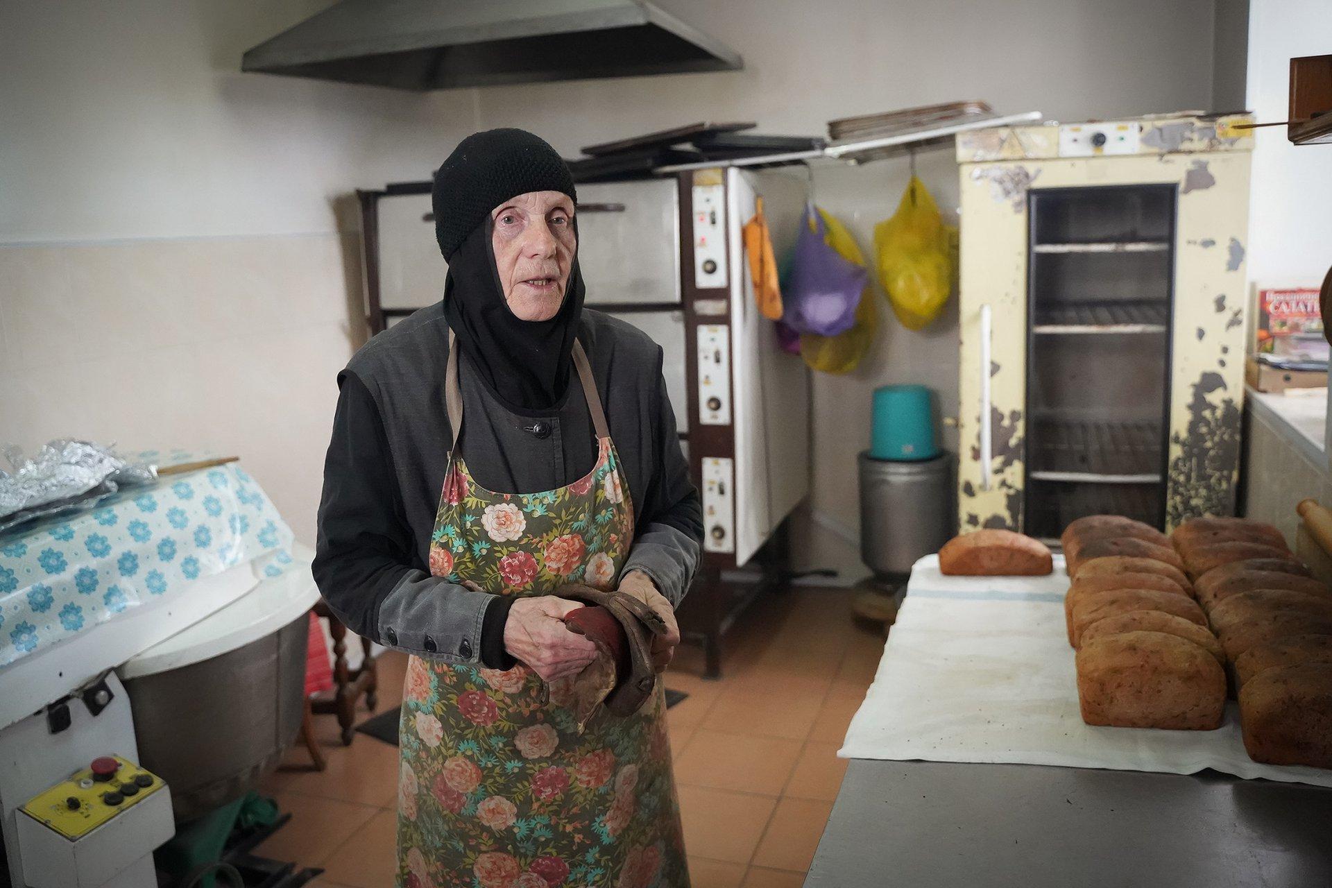 В монастырь мать Панхарию не отпускал муж