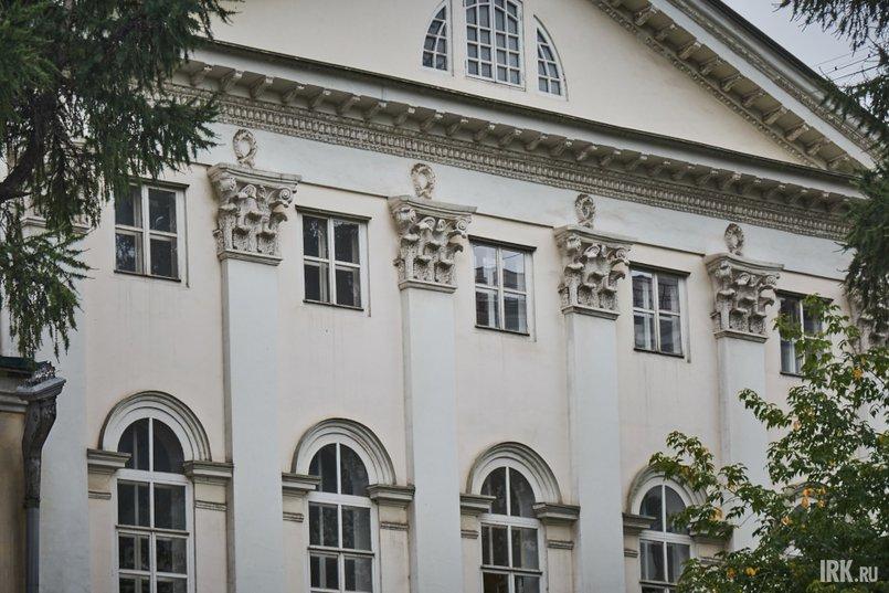 Предположительно, здание построили по проекту Джакомо Кваренги