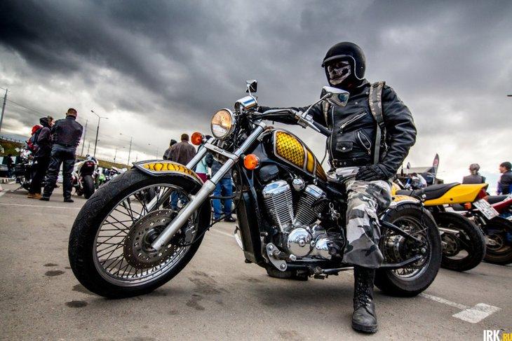 Мотоциклист. Автор фото — Зарина Весна