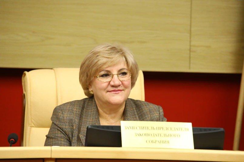 Вице-спикер, руководитель фракции партии «Справедливая Россия» Лариса Егорова.
