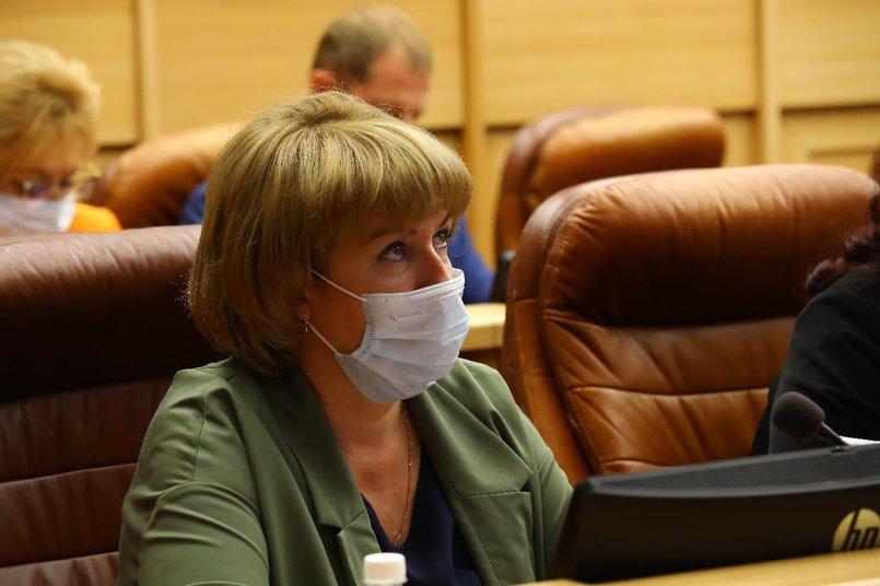 Председатель по регламенту, депутатской этике, информационной политике и связям с общественными объединениями Ольга Безродных