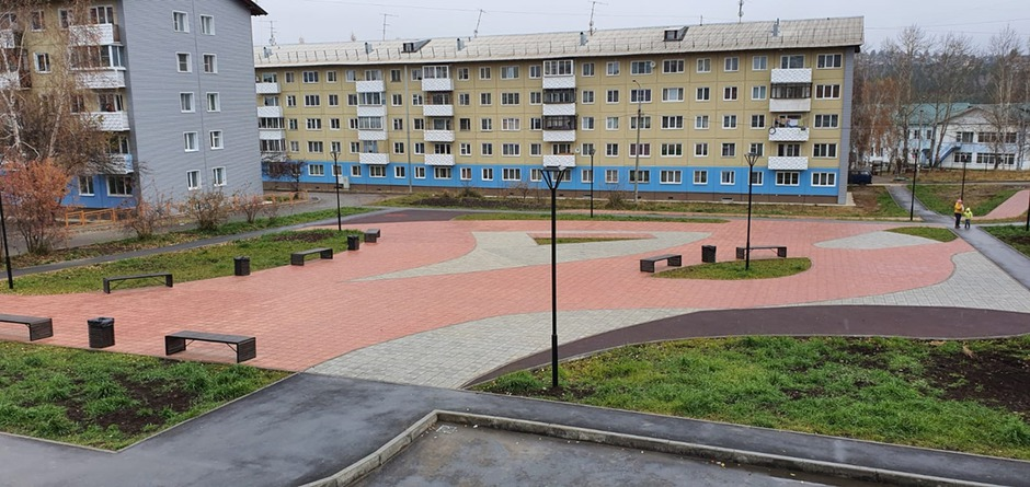 Между домами №3-6 в посёлке Маркова благоустроили прогулочную зону, и впоследствии там будет установлена площадка со спортивными снарядами.