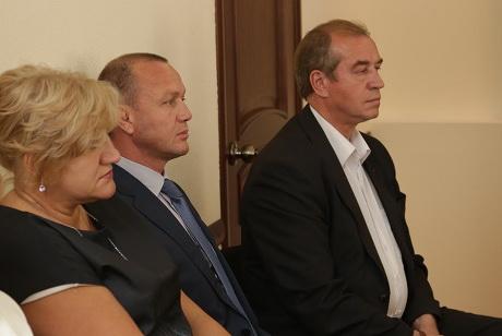 Лариса Егорова, Олег Кузнецов, Сергей Левченко. Фото www.irkutsk.izbirkom.ru
