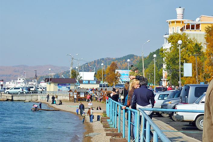 Осень в Листвянке. Фото ИА «Иркутск онлайн»