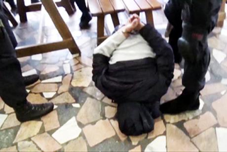 Задержанный. Фото пресс-службы УФСКН по Иркутской области