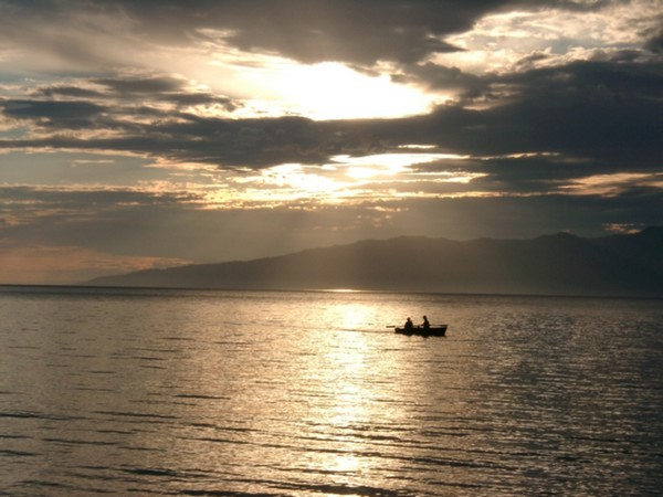 Баргузинский залив. Автор фото — Александр Кузенков. Изображение с сайта www.nature.baikal.ru
