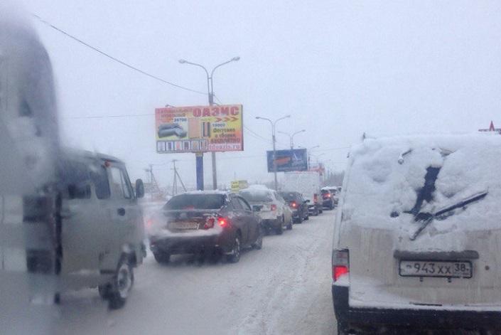 Пробка на объездной Ново-Ленино. Фото «ДТП 38RUS»