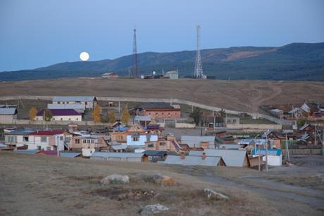 Поселок Хужир. Фото с сайта www.en.wikipedia.org
