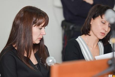 Елена Соколова с адвокатом. Фото Ильи Татарникова