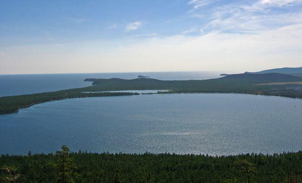 Слюдянские озера. Фото с сайта www.nature.baikal.ru. Автор фото — Ирина Дьячек