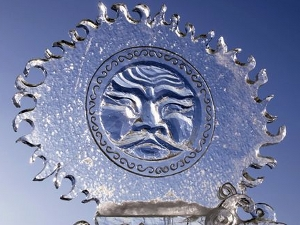 Ледовая скульптура. Фото с сайта www.ratanews.ru.