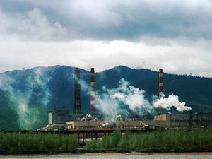 Байкальский ЦБК. Фото с сайта ecopeak.ru.