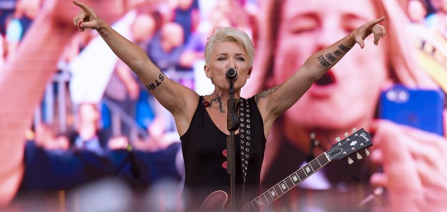 Диана Арбенина. Фото с сайта www.snipers.net