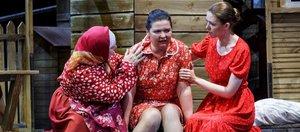 Заходят с козырей: иркутские театры открывают сезон премьерами