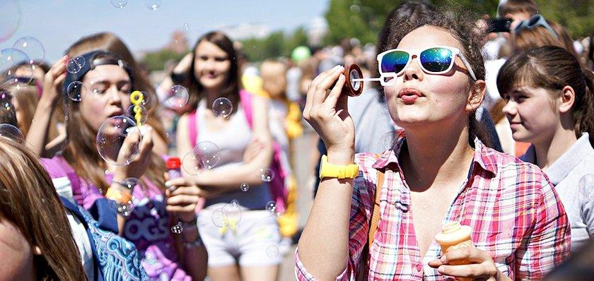 На празднике мыльных пузырей. Автор фото -- Елена Алексеева