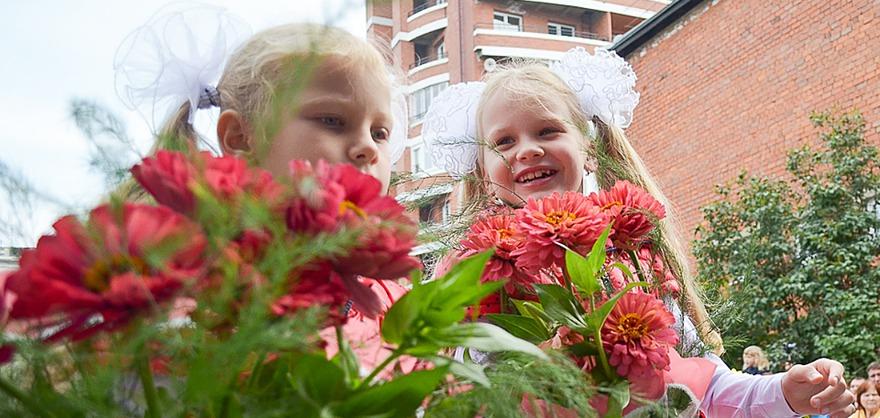 Школьницы. Автор фото — Илья Татарников