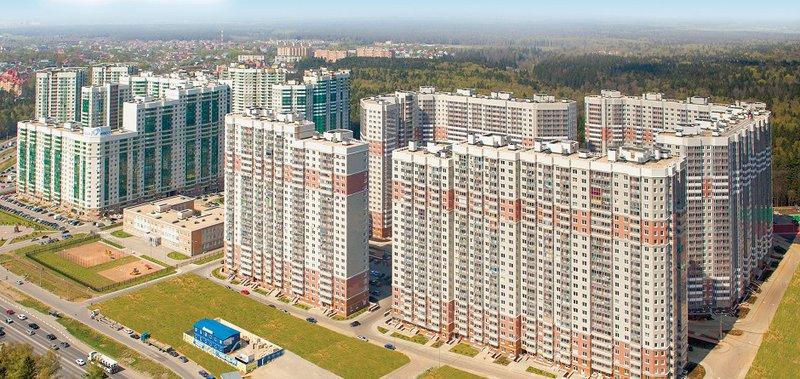О преимуществах нового жилья рассказывает застройщик — ГК «Эталон».