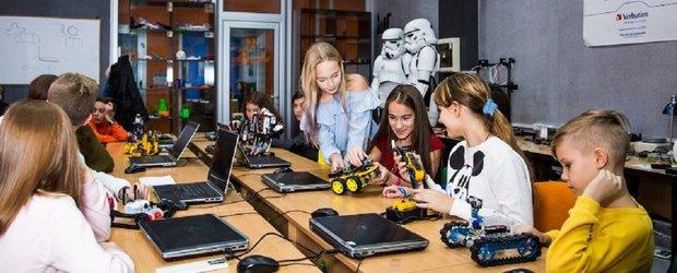 За детьми будущее цифровизации: в IT-академии стартует осенний набор