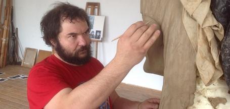 «Скульптура — это посыл в мир». Интервью с художником Аркадием Баировым
