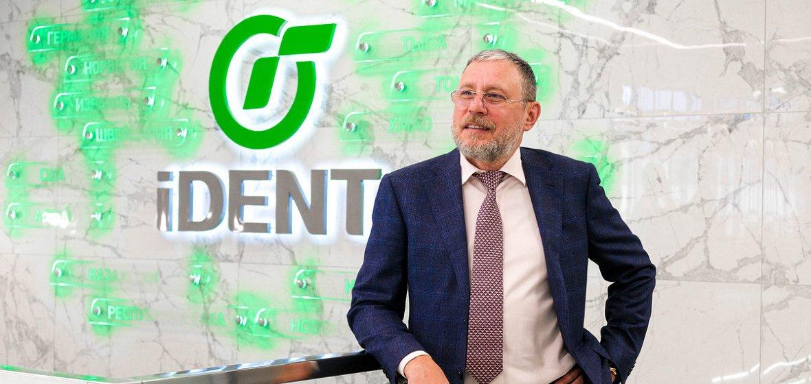 Когда ценишь время: израильский доктор в Новосибирске возвращает зубы без костной пластики за один день