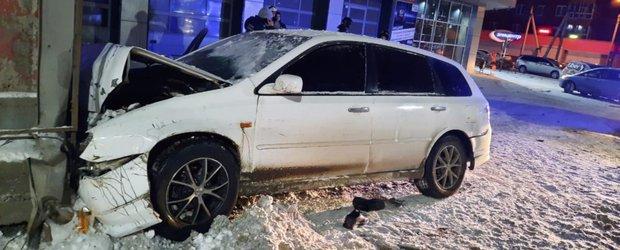 Обзор ДТП: смертельный выезд на лед и пять погибших пешеходов