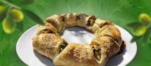 Готовит Наташа: слоеная «плетенка» с курицей, оливками и зеленью