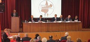 Профсоюзное собрание: новые речи в старых интерьерах