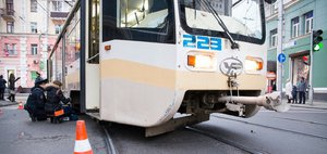 Обзор ДТП: трагедия с трамваем и 10 погибших