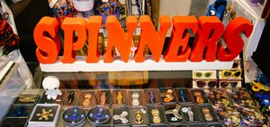 Спиннеры в Иркутске: интерес к игрушкам уже проходит