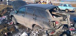 Обзор ДТП: электричка снесла Lexus