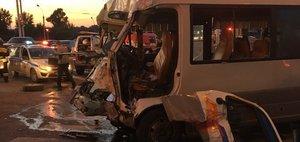 Обзор ДТП: снова автобус и девять погибших