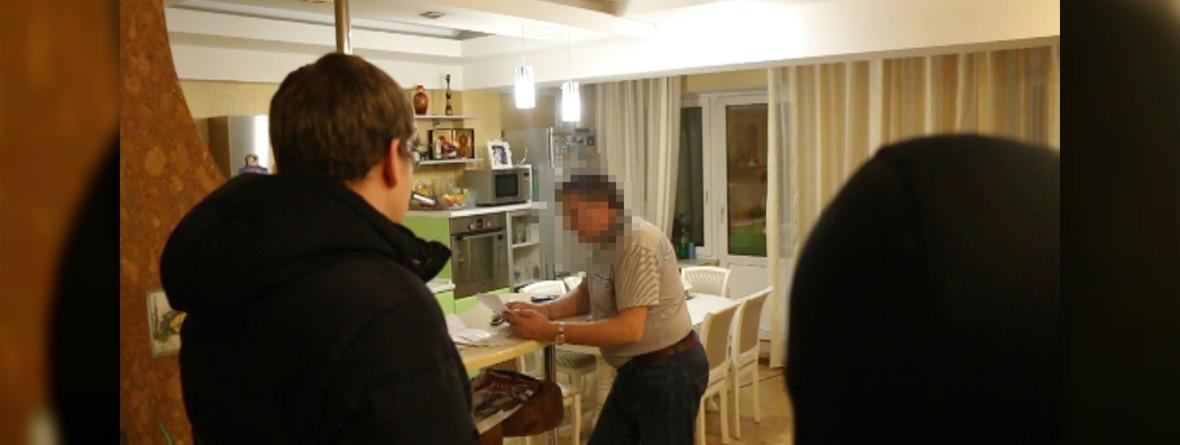 Задержание Александра Абраменко. Фото предоставлено пресс-службой СУ СКР по Иркутской области