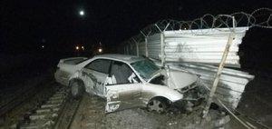 Обзор ДТП: «марковник» в забор и страшные аварии