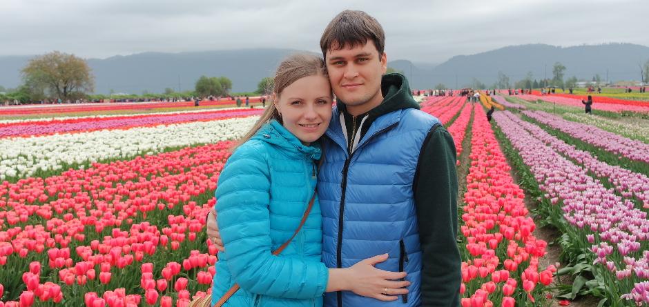 Мария и Константин на фестивале тюльпанов в городе Abbotsford, BC. Фото из личного архива