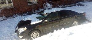 Снегом придавило: подборка фотографий из соцсетей